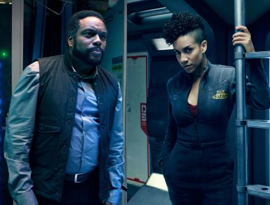 chad-coleman-and-dominique-tipper-in-the-expanse